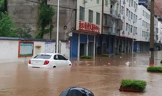 车子淹水后要不要打开门晒一下2