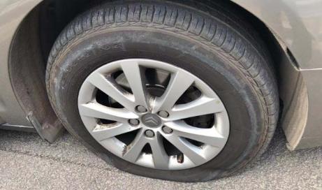 车胎瘪了还能短途开吗 车胎瘪了怎么往修车开